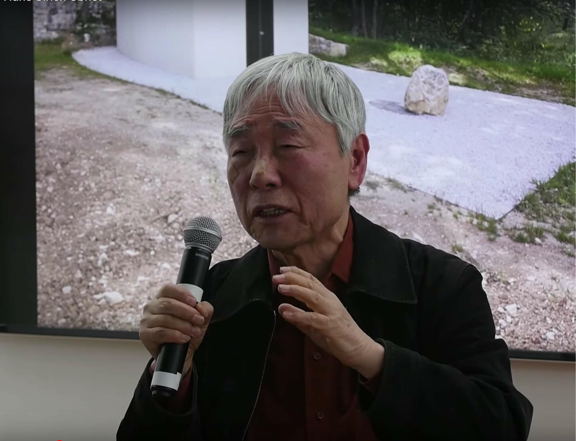 Watch: Lee Ufan in conversation with Hans Ulrich Obrist