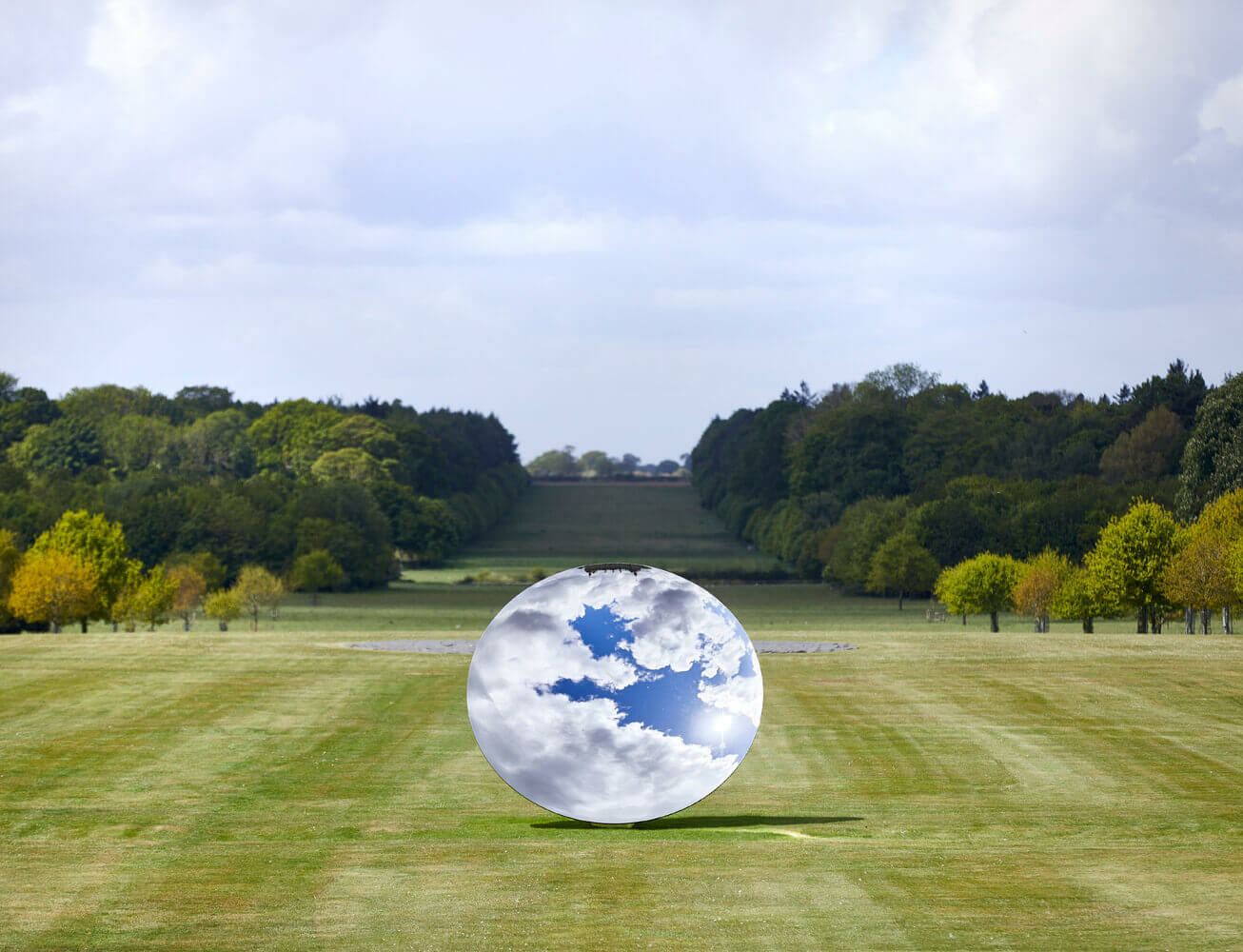 Major exhibition by Anish Kapoor opens at Houghton Hall