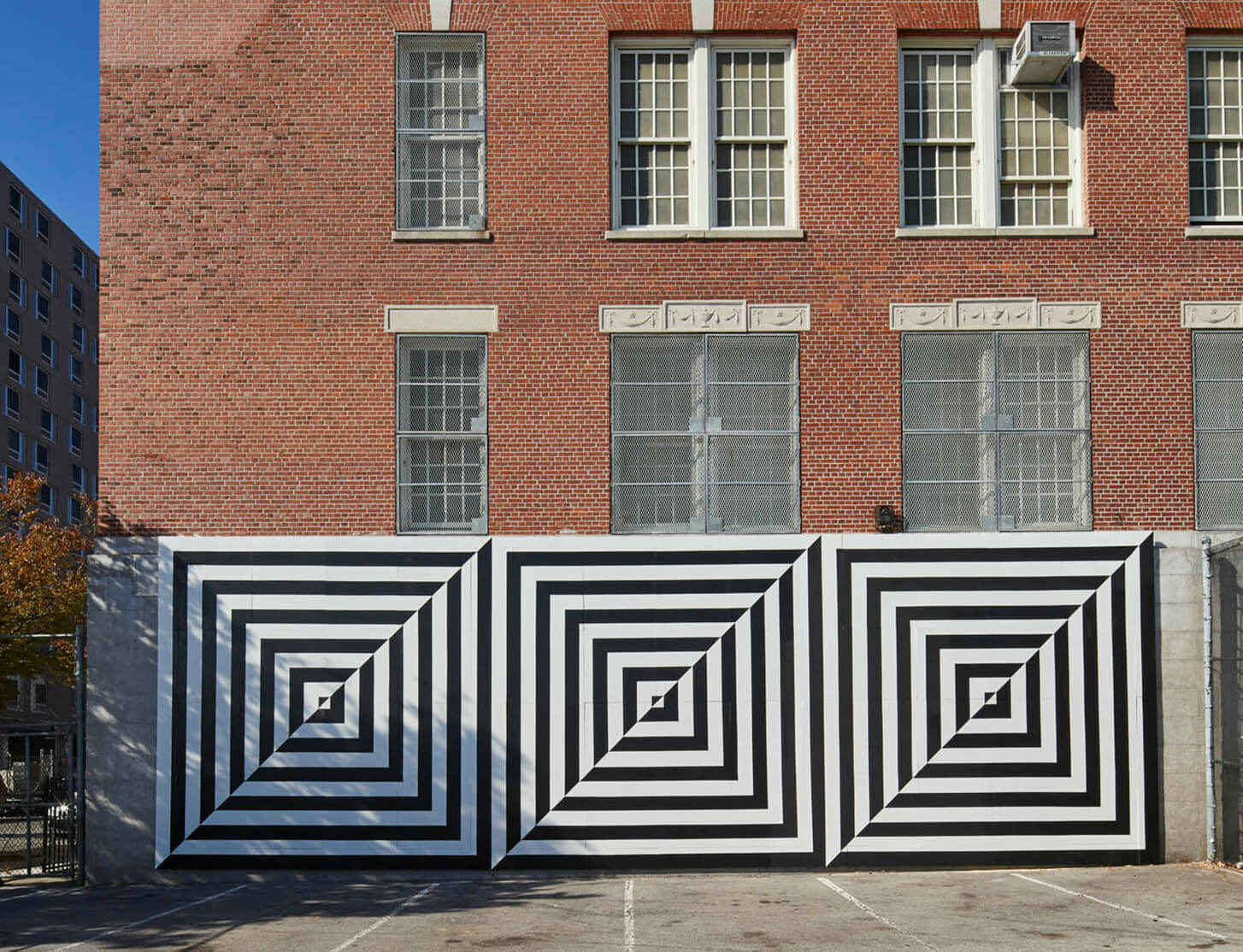 Carmen Herrera-designed mural is completed in East Harlem