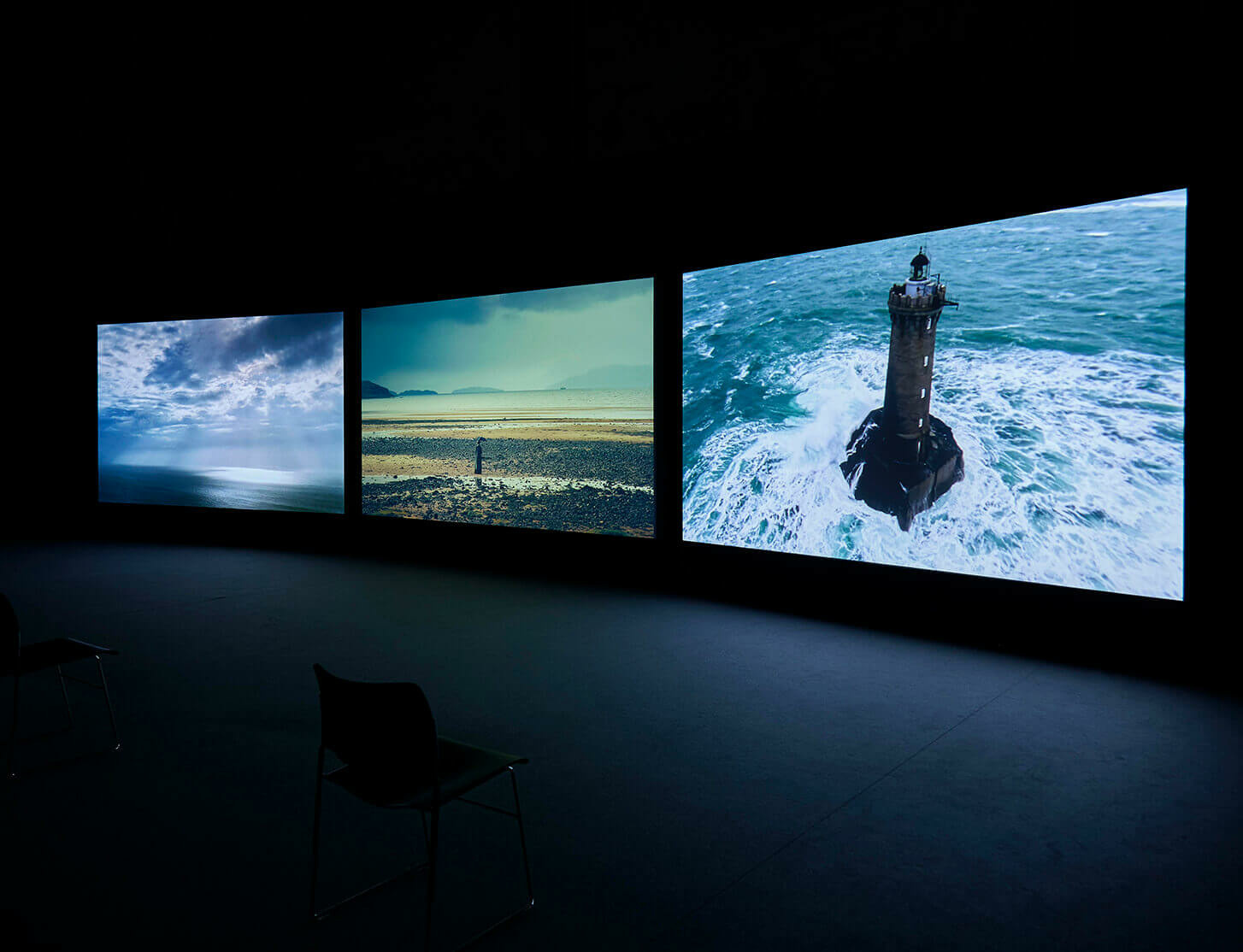 'John Akomfrah: The Earth is Flat' at CAAC Seville
