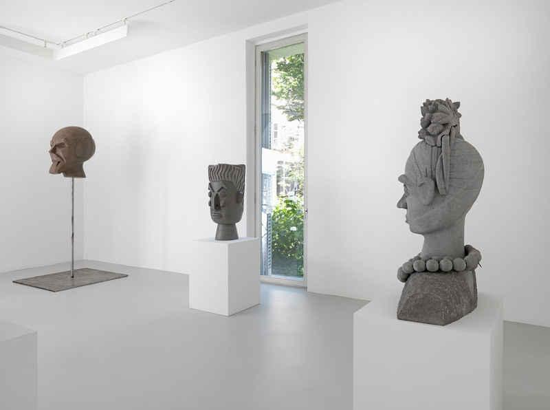 Pedro Reyes: Statues
